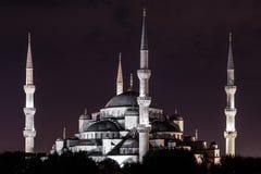 Opinião da noite Sultan Ahmed Mosque (aka mesquita azul) na cidade velha de Istambul (Turquia) Foto de Stock Royalty Free