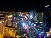Opinião da noite da tira de Las Vegas, luzes sul imagem de stock royalty free
