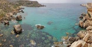 Opinião da paisagem da baía do paraíso do penhasco fotos de stock