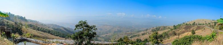 Opinião da paisagem da montanha do ponto culminante Imagens de Stock