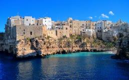 Opinião da paisagem de Polignano. Apulia. foto de stock royalty free
