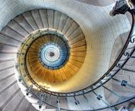 Opinião da parte superior de uma escadaria espiral