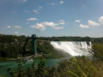 Opinião da ponte de Niagara Falls foto de stock