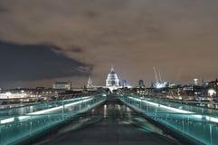 Opinião da ponte do milênio foto de stock royalty free