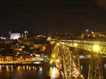 Opinião da ponte dos DOM LuÃs de Ponte, Porto da noite, Portugal Fotografia de Stock