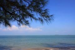 Opinião da praia Imagens de Stock Royalty Free