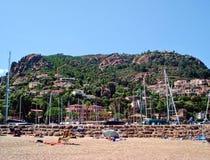 Opinião da praia de Theoule-sur-MER do litoral Foto de Stock Royalty Free