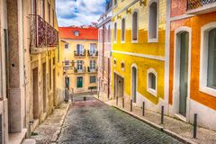 Opinião da rua da cidade de Lisboa, Portugal fotografia de stock