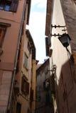 Opinião da rua da cidade de Rovinj da Croácia imagem de stock