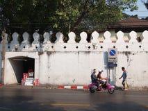 Opinião da rua da cidade velha de Banguecoque Imagem de Stock