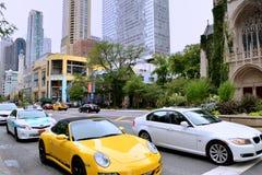 Opinião da rua de Chicago do centro Imagens de Stock Royalty Free
