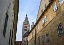 Opinião da rua de Praga, República Checa fotos de stock royalty free