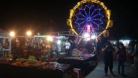 Opinião da rua de Tailândia, bangpree do mercado da noite filme