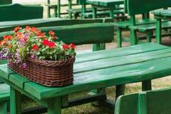 Opinião da rua de um terraço do café Imagens de Stock Royalty Free