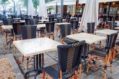 Opinião da rua de um terraço do café Foto de Stock