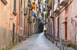 Opinião da rua na cidade velha de Castellamare di Stabia foto de stock