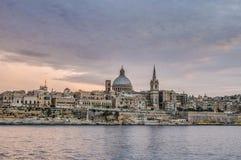 Opinião da skyline da frente marítima de Valletta, Malta Fotografia de Stock
