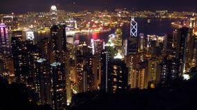 Opinião da skyline da noite de Hong Kong do pico de Victorias fotografia de stock royalty free