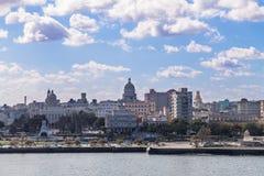Opinião da skyline de Cuba de Havana Foto de Stock