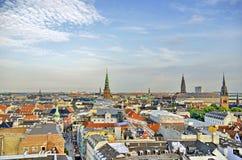 Opinião da skyline de Dinamarca Copenhaga fotografia de stock royalty free