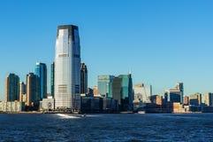 Opinião da skyline de New York City de Ellis Island foto de stock royalty free