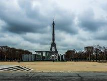 Opinião da torre de Paris imagens de stock royalty free