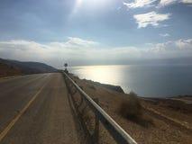 A opinião da viagem por estrada irradia o mar do sol Foto de Stock Royalty Free