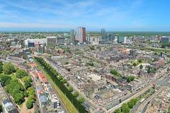 Opinião de ângulo alto de Haia do centro com arranha-céus, Países Baixos Imagem de Stock