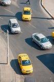 Opinião de ângulo alto de táxis turcos Imagens de Stock