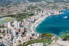 Opinião de ângulo alto do porto em Calpe, Alicante, Espanha fotos de stock