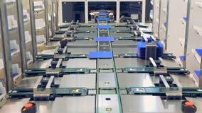 A opinião de ângulo larga automatizou o processo de manufatura de painéis solares 4K vídeos de arquivo
