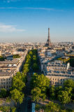 Opinião de ângulo larga vertical de Paris foto de stock royalty free