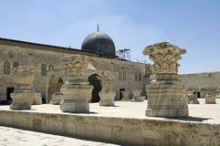 Opinião de Al Aqsa Mosque da parte externa em um dia brilhante no Jerusalém, Israel fotos de stock