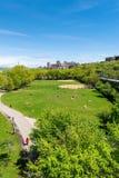 Opinião de Arial através do parque estadual do Riverbank em New York City, com Upper Manhattan e George Washington Bridge no fotos de stock royalty free