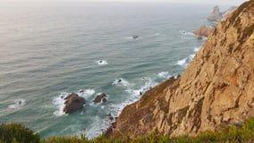 Opinião de Atlântico do oceano de Capa de rocha Fotografia de Stock Royalty Free