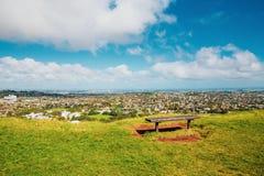 Opinião de Auckland de Mt Eden fotografia de stock
