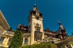Opinião de baixo ângulo bonita de Romênia do castelo de Sinaia Peles Fotos de Stock