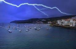 Opinião de Cadaques - tempestade da noite do relâmpago Fotos de Stock