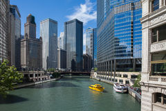 Opinião de Chicago River Fotos de Stock Royalty Free