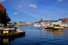 Opinião de Copenhaga com Havnepromenade Fotografia de Stock