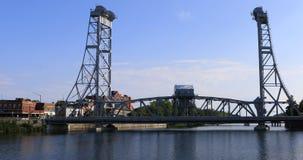 opinião de 4K UltraHD da ponte de Main Street em Welland, Canadá vídeos de arquivo