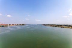 Opinião de Kampong Cham da ponte Cambodian-japonesa da amizade, Phnom Penh, Camboja imagens de stock