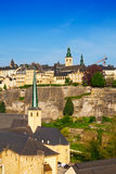 Opinião de Luxemburgo do ponto culminante na parede da cidade Fotografia de Stock Royalty Free