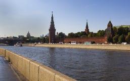 Opinião de Moscovo Kremlin fotografia de stock royalty free