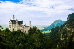 Opinião de neuschwanstein do castelo no verão Fotos de Stock Royalty Free