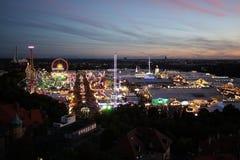 Opinião de Oktoberfest na noite Foto de Stock
