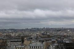 Opinião de Paris 'de Sacré Coeur ' fotos de stock royalty free
