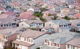 Opinião de partes superiores do telhado da vizinhança Imagem de Stock