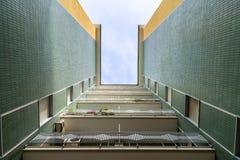 Opinião de perspectiva de uma construção Imagens de Stock Royalty Free