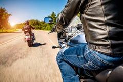 Opinião de primeira pessoa dos motociclistas fotos de stock royalty free
